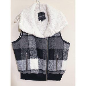 Maurices Black Plaid Sherpa Lined Zip Vest LG